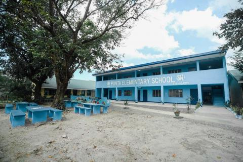 Tanza receives school building from SM